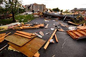 Canada: Lốt xoáy kinh hoàng khiến 50.000 người dân chưa có điện