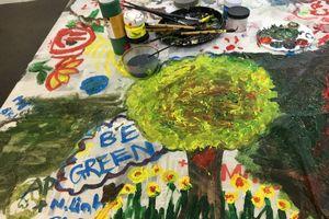 'Nghĩ khác'- Nghệ thuật được làm từ rác thải
