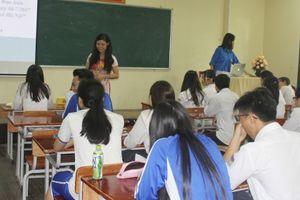 Học sinh trường Chu Văn An thi trắc nghiệm tuyên truyền Nghị quyết 04