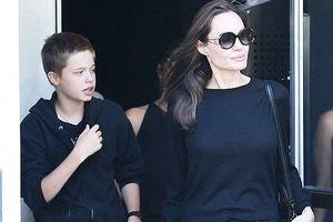 Angelina Jolie giản dị xuống phố sau tin đồn bí mật kết hôn