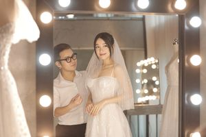 Cận cảnh váy cưới của Nhã Phương: Thanh lịch, tối giản nhưng gợi cảm