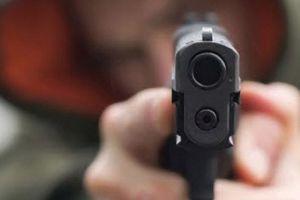 Mâu thuẫn trong cuộc nhậu, người đàn ông dùng súng tự chế giết người rồi tự sát