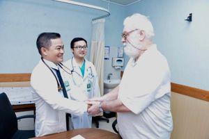 Bệnh viện ở TP.HCM cứu cụ ông người Úc, bị nhồi máu cơ tim, nguy kịch