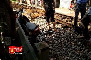Người đàn ông may mắn thoát chết sau tai nạn với tàu hỏa, hoảng hồn kể lại vụ việc