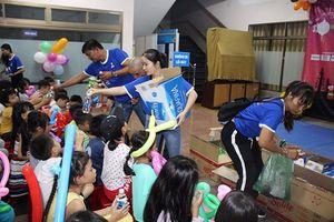 Câu lạc bộ Doanh nhân 2030 tổ chức vui Trung thu cho trẻ em nghèo
