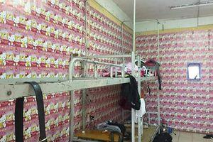Phòng KTX nam biến thành bộ sưu tập Hello Kitty khiến dân mạng hết hồn