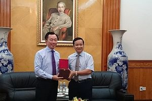 Hải Phòng: Tân đại sứ Việt Nam tại Ấn Độ đến thăm và làm việc