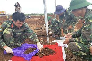 Cất bốc 33 hài cốt liệt sĩ tại khu vực Cồn Tiên-Dốc Miếu