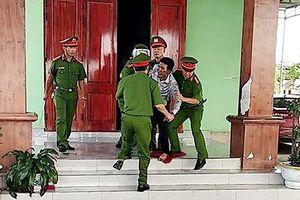 Khởi tố người bố tàn nhẫn ép 3 đứa trẻ 'chết chung'