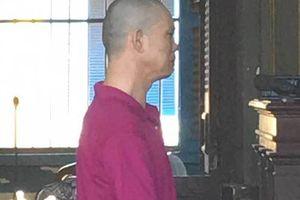 Gã đàn ông đồi bại hại đời 2 con riêng của vợ 'hờ'