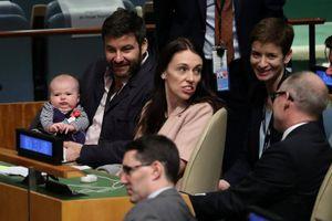 Con gái 3 tháng tuổi của Thủ tướng New Zealand gây bất ngờ tại Đại hội đồng Liên Hợp Quốc