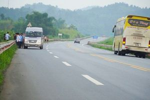 Siết chặt an toàn giao thông trên tuyến cao tốc Nội Bài - Lào Cai