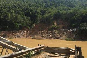 Thanh Hóa: Lũ cuốn trôi cầu treo, người dân xã miền núi Trung Thành vẫn bị chia cắt