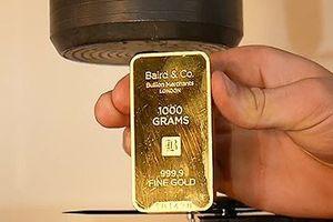 Giá vàng miếng rẻ nhất từ đầu năm, USD tự do sụt giá