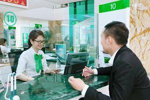 Không đâu vất vả như VietcomBank: 1 năm lo 8 phiên bán cổ phiếu cho kịp tiến độ