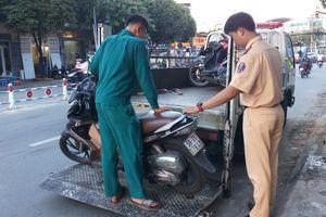 Sau va chạm giao thông khiến 1 người chết, cô gái vội vàng bỏ trốn