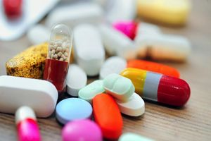 Một vài lưu ý khi dùng thuốc ở người bệnh gút