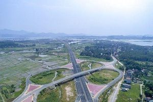 Quảng Ninh: Tháng 10 dự kiến thu phí cầu Bạch Đằng