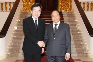 Thủ tướng Nguyễn Xuân Phúc hội kiến Thủ tướng Hàn Quốc