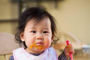 Để mặc con đói sẽ tự đòi ăn - Bác sĩ dinh dưỡng chỉ ra 1 số hiểu lầm tai hại khi cha mẹ áp dụng cách này