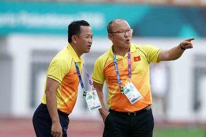 Trợ lý của HLV Park Hang-seo rút lui trước AFF Cup