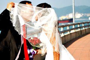 Vui buồn hậu trường ảnh cưới