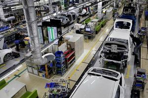 Lo sợ Mỹ đánh thuế ô tô, Nhật 'xuống nước' trong đàm phán thương mại
