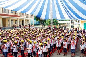 Tặng 1.600 mũ bảo hiểm cho học sinh tiểu học Thái Nguyên