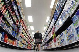 Niềm tin người tiêu dùng Mỹ tăng lên mức cao nhất trong 18 năm