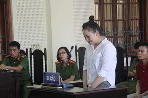 Bị cáo ngất xỉu khi nghe tòa tuyên phạt 15 năm tù về tội giết người