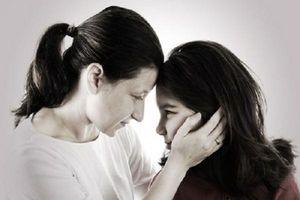 Cha mẹ nên làm gì khi con yêu sớm?