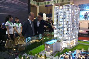 Hơn 1.000 khách tham quan Triển lãm quốc tế xây dựng Vietbuild lần 2