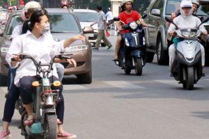 Hiểm họa khó lường vì… coi thường luậtBài 1: Suýt mất mạng… 'diễn xiếc' bằng xe đạp điện