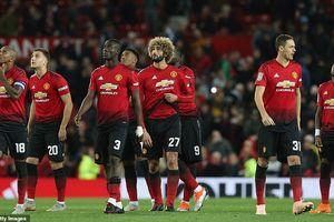 MU thua sốc đội hạng dưới, bị hất văng khỏi Cúp Liên đoàn Anh