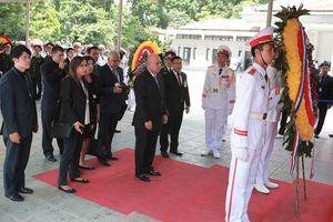 Đoàn Cuba đến viếng Chủ tịch nước Trần Đại Quang