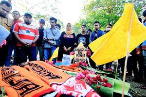 CĐV bị sát hại dã man, giải VĐQG Indonesia hoãn vô thời hạn