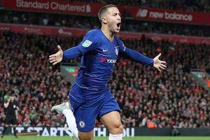 Hazard giúp Chelsea ngược dòng hạ Liverpool tại Anfield