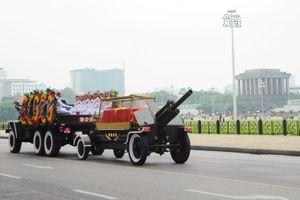 Đoàn xe đưa linh cữu Chủ tịch nước Trần Đại Quang qua các tuyến phố
