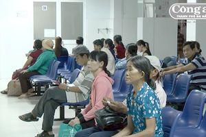 Dân bức xúc vì bệnh viện thiếu thuốc