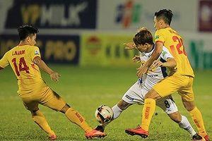 Ai thoát hiểm sau vòng 24 V-League 2018?