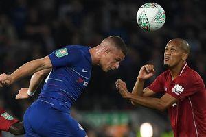 Thua Chelsea, Liverpool tháo chạy khỏi Cúp Liên đoàn