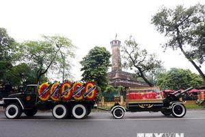 Đoàn xe chở linh cữu Chủ tịch nước trên đường phố Hà Nội
