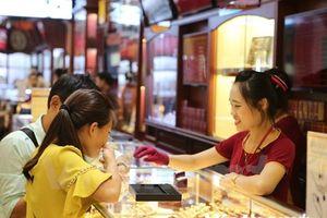 Giá hai thương hiệu vàng trong nước đồng loạt giảm nhẹ