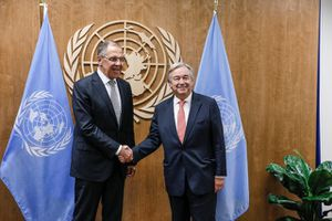 Tổng Thư ký LHQ và Ngoại trưởng Nga thảo luận về Syria và Đông Ukraine