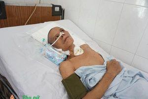 Xót cảnh nam bệnh nhân 'vô danh' nguy kịch trên giường bệnh, không một người thân chăm sóc