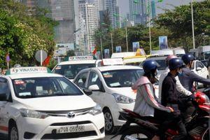 Ùn tắc giao thông làm 'nóng' phiên họp thường trực HĐND tỉnh Khánh Hòa