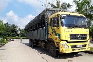 Va chạm với xe tải, nữ công nhân tử vong tại chỗ