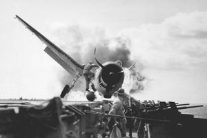 Hành trình 'sống sót' của tàu sân bay USS Enterprise qua Thế chiến II