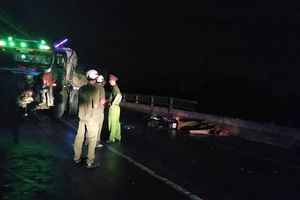 Gây tai nạn khiến 2 vợ chồng chết thảm, tài xế xe tải bỏ trốn