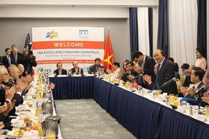 Thủ tướng Nguyễn Xuân Phúc chủ trì tọa đàm với các doanh nghiệp Hoa Kỳ